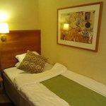 ベッド、色使いが北欧っぽいです