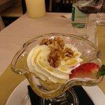 gelato con palla miele e noci