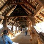 Toit du pont magnifiquement décoré (60970820)