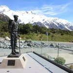 Sir Edmund Hilary cafe balcony