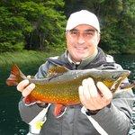 Pesca Exitosa en Lago Fonck..