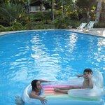 Meus lindinhos amaram a piscina.