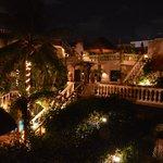 Noite no Aventura Mexicana vista do quarto 402.