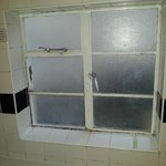 in the bath mould and draft window