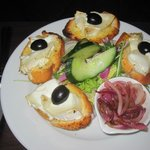 Chef's suggestion for diet-conforming starter - goat's cheese bruschetta