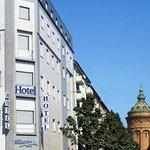 Außenansicht Hotel Basler Hof Mannheim