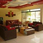 Recepción y lobby del hotel