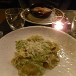 crespelle ricotta e spinaci, ravioli con pesto di rucola e pecorino