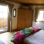 Sullivan Suites, smal room, King bed and shared bathroom
