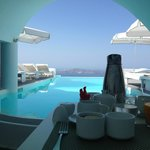 Breakfast next to the pool