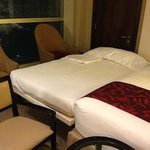 the fourth bed in the so called quad room in Fairmont Makkah