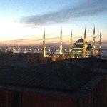 La Moschea Blu dalla finestra della Sultanhamet Suite