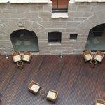 Restos arquitectónicos en el lobby