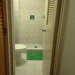 Clean bathroom/toilet
