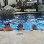 Main pool, no bar