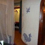 Der var buede væge indvendig, Serengeti Serena Safari Lodge