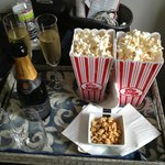 champagne, popcorn and peanuts! perfect afternoon snacks.