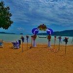 Свадебная арка на территории отеля