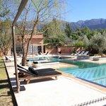 vue piscine, montagnes