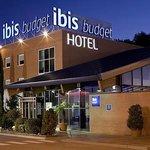 Fachada Hotel ibis budget Alcalá de Henares