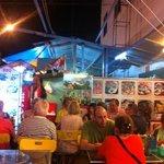 Lecker und günstig essen im Nachtmarkt
