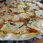 Fresh Mozzarella Pizza