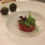 телятина с грибами шитаки и кунжутом