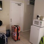 Eingangstür mit Kühlschrank