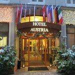 Front door Hotel Austria