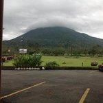 hotel frente al volcan arenal