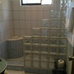 Nice Shower With Hot Water And Great Water Pressure