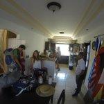cocina américana y comedor / kitchen - dining room
