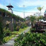 Alam kulkul entrance & cafe
