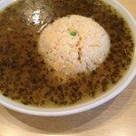 高菜スープにあっさりとした炒飯が入ってる
