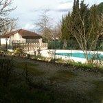 il cortile e la piscina