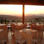dalla sala ristorante un tramonto