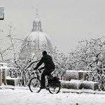 Il Gianicolo....e la cupola di San Pietro con la neve!!