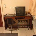 Escrivaninha/TV a cabo/DVD Player