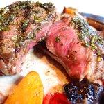 Bravo! 三分熟的肉,非常好吃。