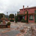 Entrén framför Hacienda la Herriza, en underbar liten oas