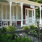 Elk Street Cottage