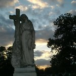 Old Oakwood Cemetery, angel with cross monument