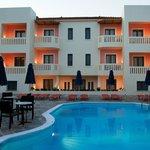 Photo de Aphrodite Hotel & Suites