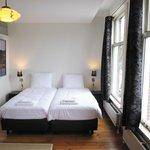 Room 2 - Marnixkade / Singelgracht canal