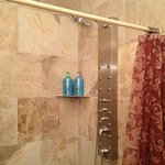 Side jet shower