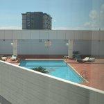 kliener Pool auf dem Vordach