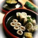 Inside Out (Surimi + Avocado) und Kanpyo-maki