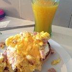 bagel with eggs n fresh oj