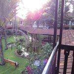 les jardins avec le point d'eau