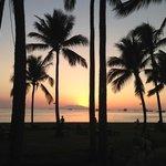 ホテルから見える Sunset at Manila Bay